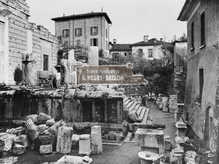 Il Capitolium di Brescia all'inizio degli anni 30, prima della ricostruzione