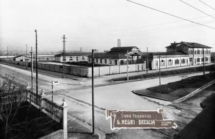 Incrocio fra via Cadorna e via Duca d'Aosta negli anni venti a Brescia